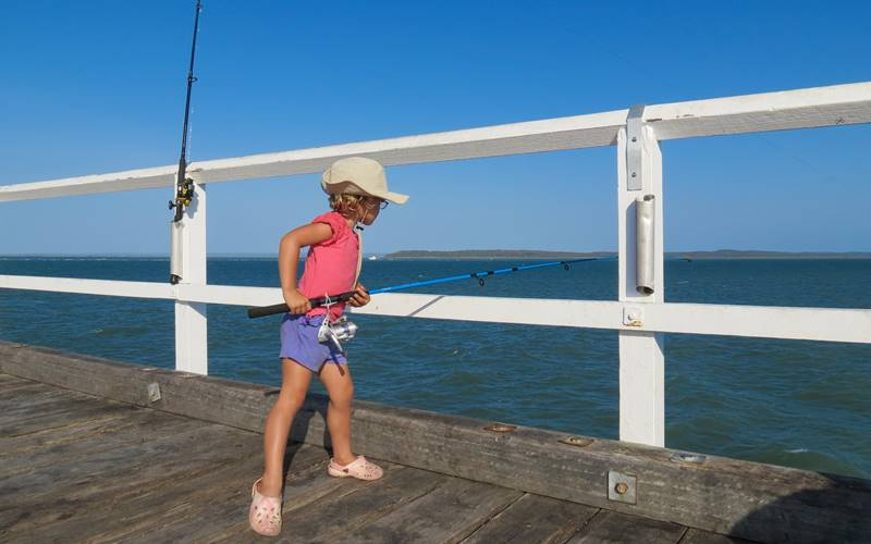 Nell fishing with small rod for baitfish