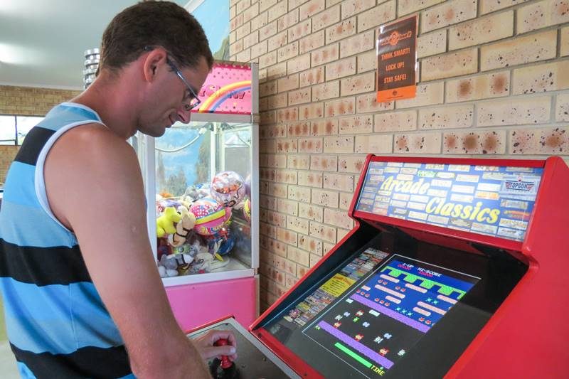 Playing arcade games - The Frog