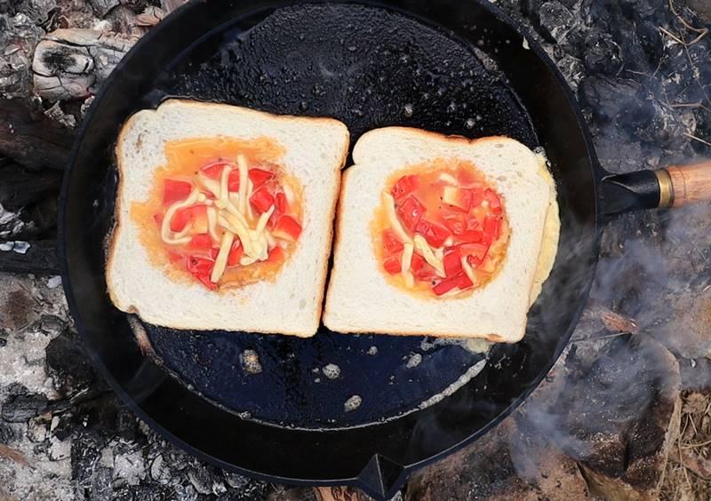 Breakfast Stuffed Toasts
