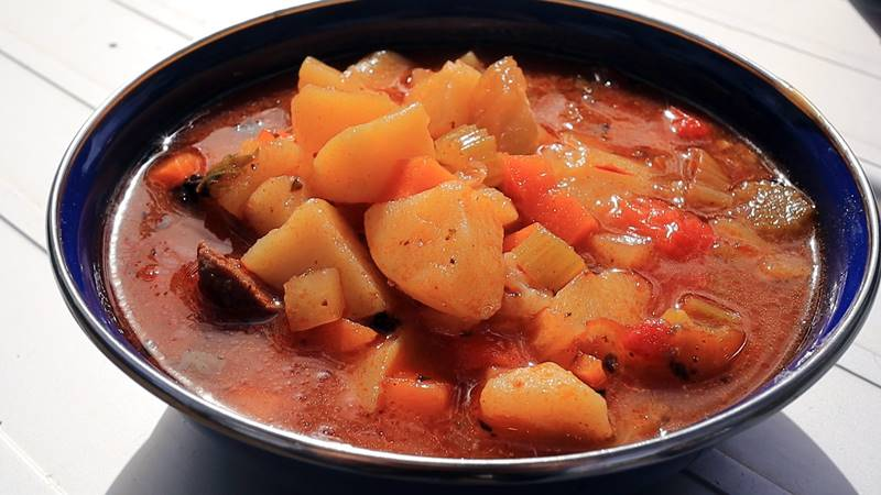 Winter vegetable camping soup